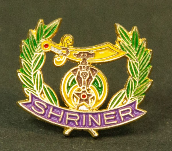 Pin Shriner elegant