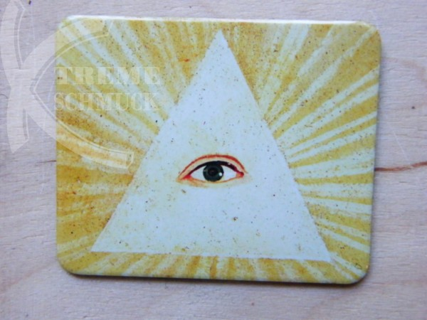 Magnet Eye in Triangle